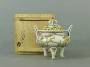 17-DSCN2783-04g-021須田青華 金蘭色絵 花鳥紋様 三足香炉