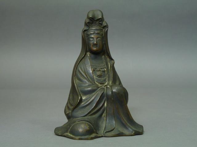 鋳銅製(古銅器)白衣観音坐像