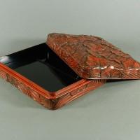 鎌倉彫「俊」在銘 梅花彫模様 硯箱