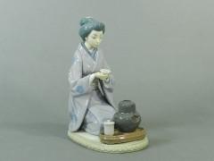 12-DSCN3392リヤドロ(LLADRO)着物和服 日本女性(美人)茶道 置物