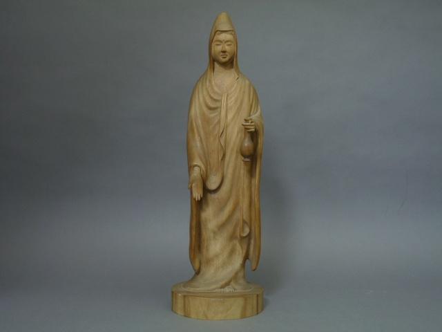 10-P2210546「亮俊」在銘 木彫 白衣観世音菩薩立像