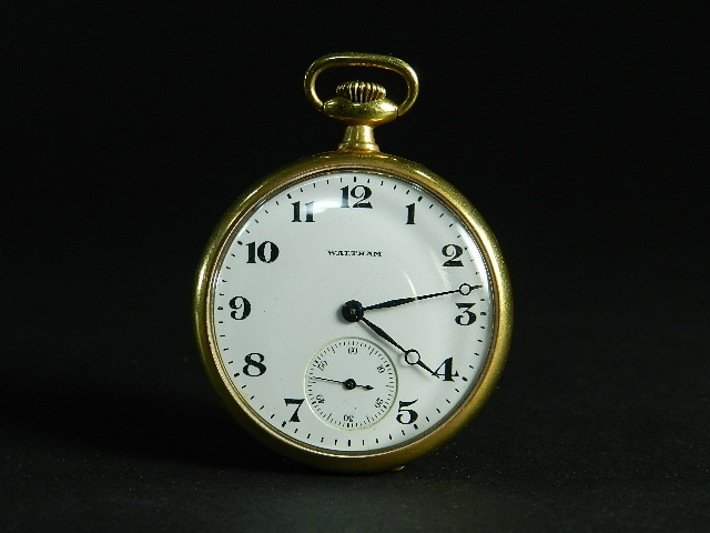 01-DSCN2762ウォルサム(WALTHAM)懐中時計 金時計 18K刻印