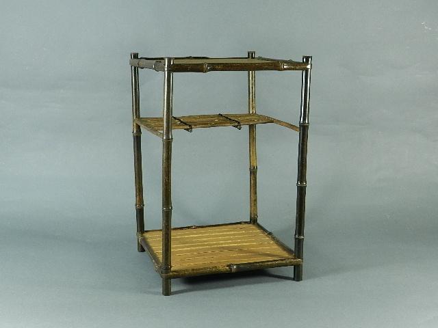 03-DSCN2384竹製(燻竹)煎茶棚(綾瀬棚) 紙箱 検古玩朱泥白泥紫砂唐物
